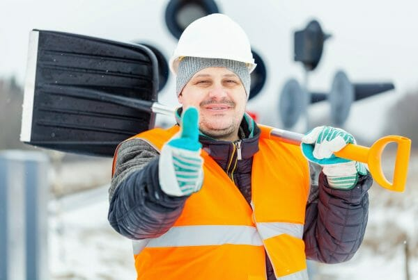 tips to protect workers in cold weather